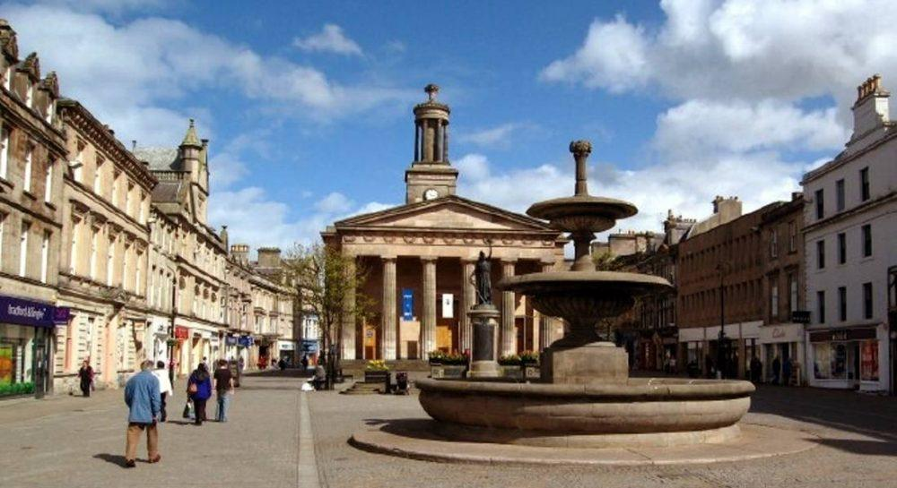 Plan to take cars back on Elgin High Street rejected.